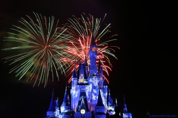 Mickeys-Very-Merry-Christmas-Party-12